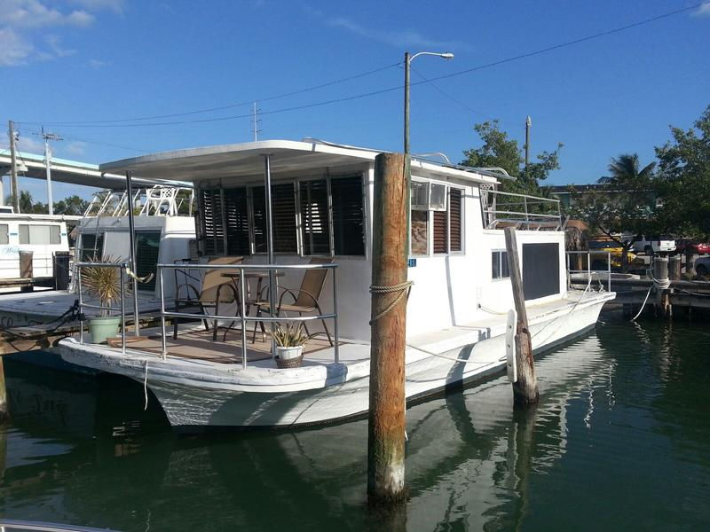 Moonfire Houseboat