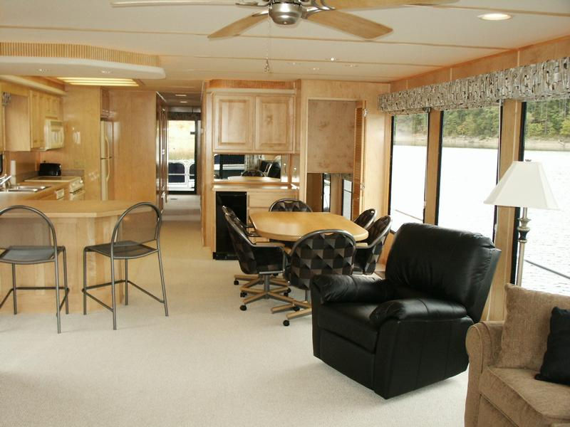 Presidential Series Houseboat