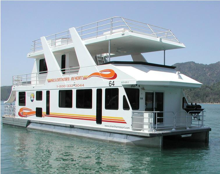 Queen Houseboat