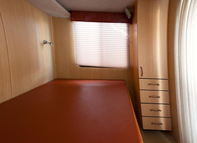Queen II Houseboat