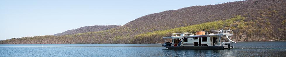 Houseboating on Raystown Lake (A.E Landes)