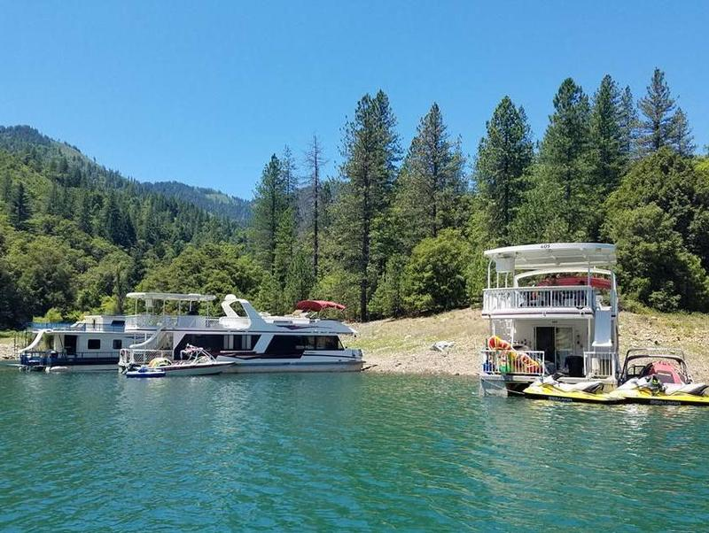 Shasta Lake Done Right Photos