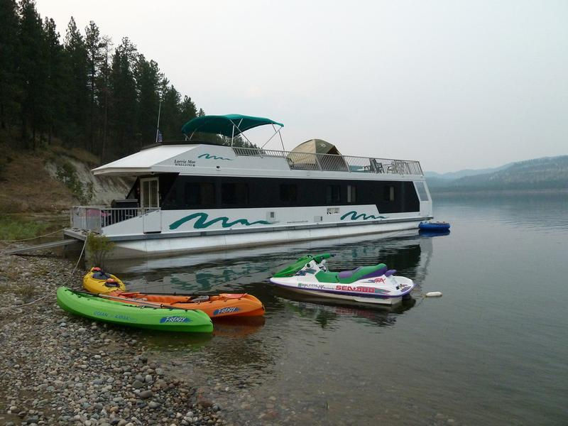 SuperCruiser Houseboat
