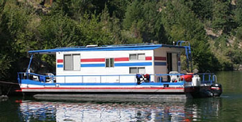 The Kokanee Houseboat