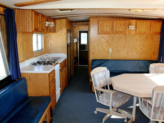 44 Foot Royalist Screened Front Porch Houseboat