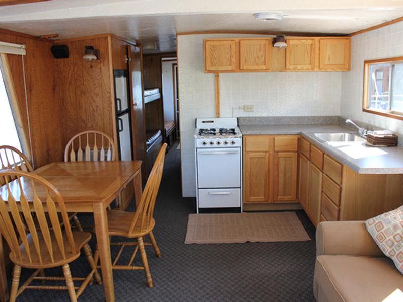 50 Deluxe Royalist Houseboat