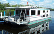 53' 10 Sleeper Executive Houseboat
