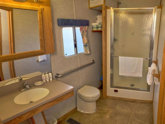 70 Silver Class Houseboat