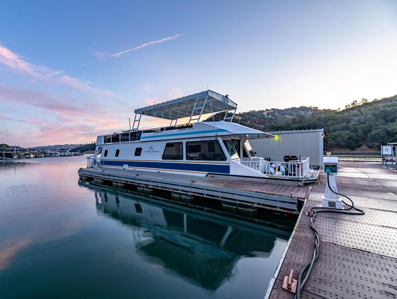 The 59-foot Houseboat on Lake Berryessa Photos