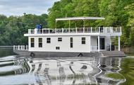 84' Cream Harbor Cottage Houseboat
