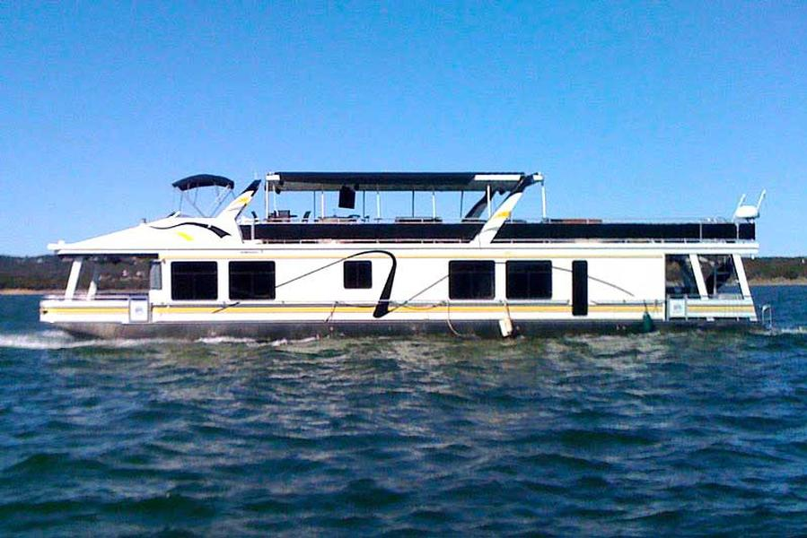 a luxury houseboat vacation