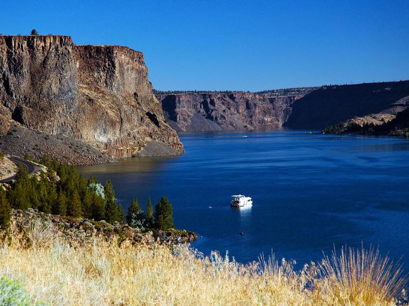 Lake Billy Chinook - a Central Oregon Paradise