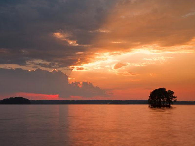 Breathtaking sunset at Lake Lanier Photos