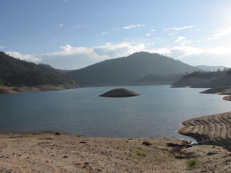 A breathtaking view at the picturesque Lake Oroville Photos