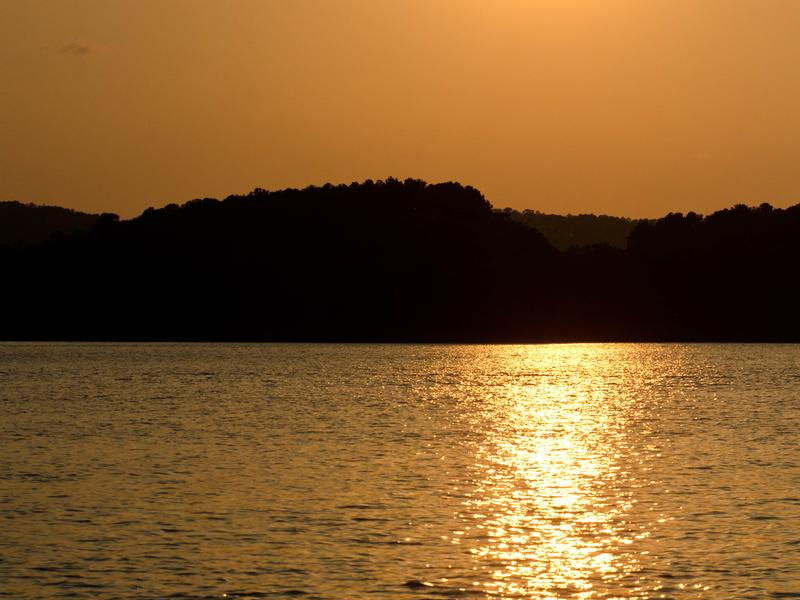Golden sunsets at Lake Ouachita Photos