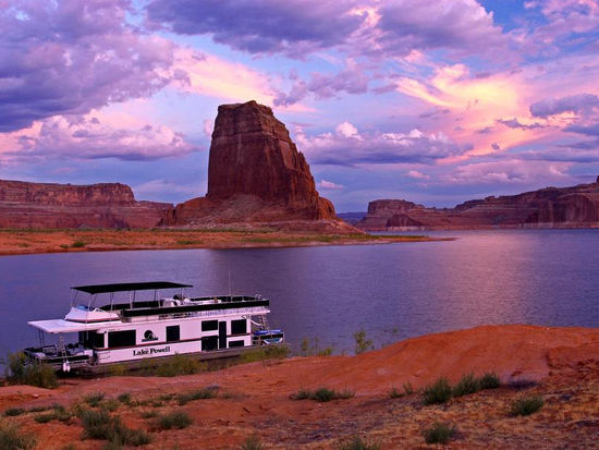 Stunning scenery surrounds you at Lake Powell