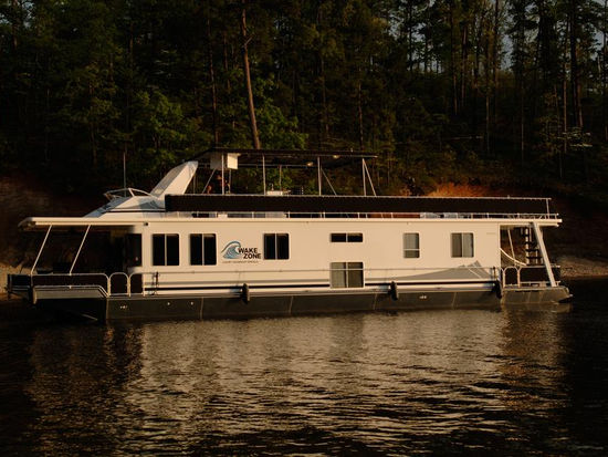 Lake Ouachita - Houseboats Rentals