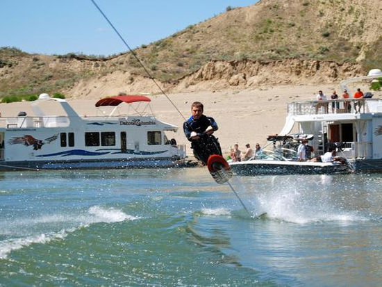 Top Things to Do at Lake Roosevelt Seven Bays Marina