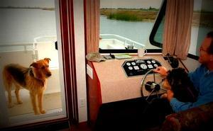 Pet Friendly Houseboat Vacations