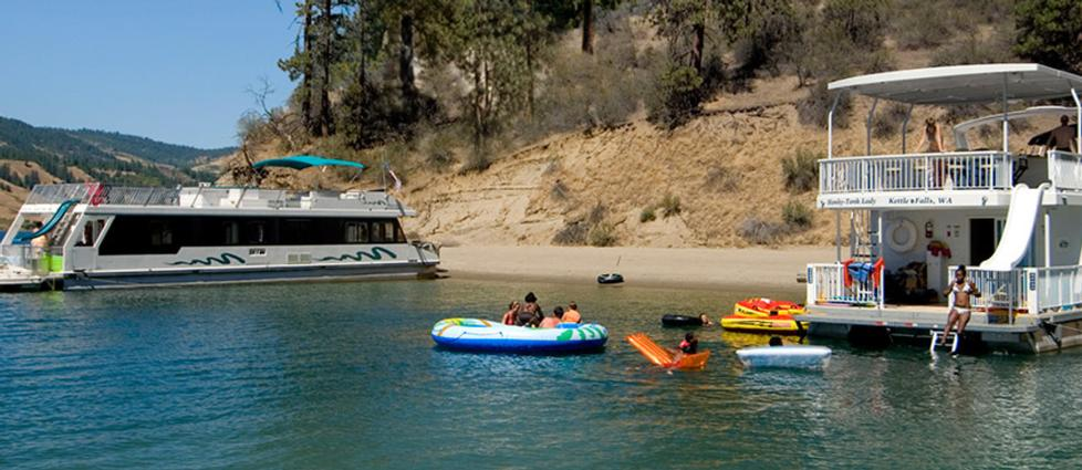 Fun on Lake Roosevelt from Kettle Falls Marina