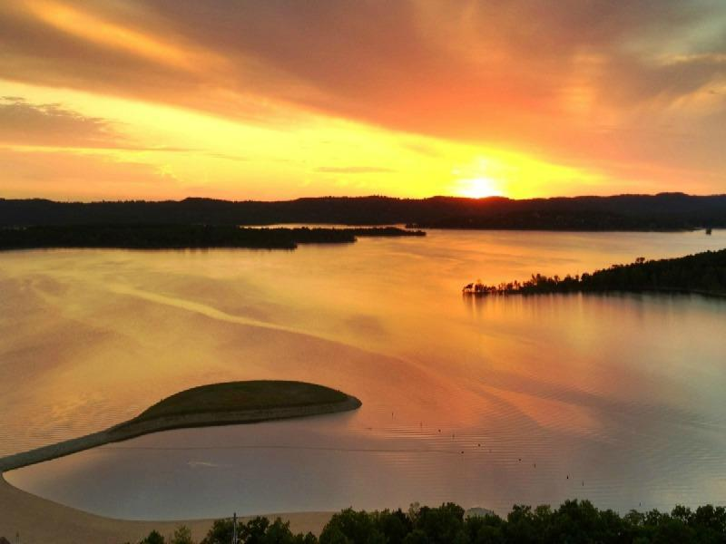 The Unparalleled Appeal of Table Rock Lake, Missouri