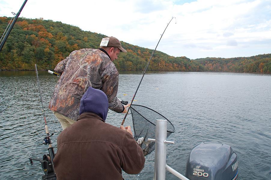 Fishing licenses regulations pennsylvania fish and autos for Pa fishing season